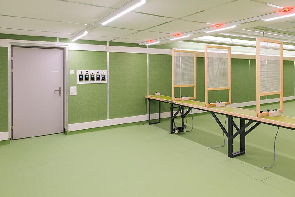 Eingangsbereich mit Ladebank